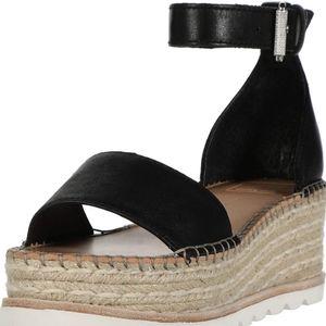 NWT DOLCE VITA Black leather Larita sandals 8.5